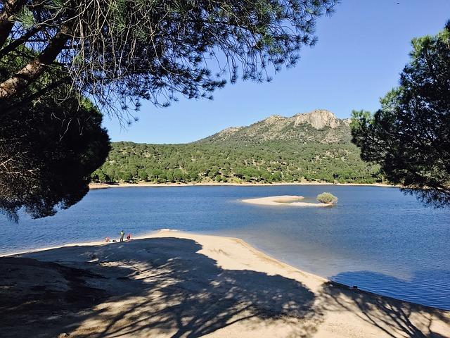 Piscinas naturales en Madrid, ¿la mejor forma de refrescarse en verano?