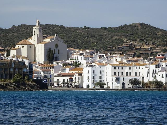 Pueblos costeros con encanto, ¡quince localidades que merecen una visita!