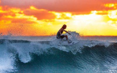 Hacer surf en España, ¡quince playas que tienes que añadir a tu famosa lista!