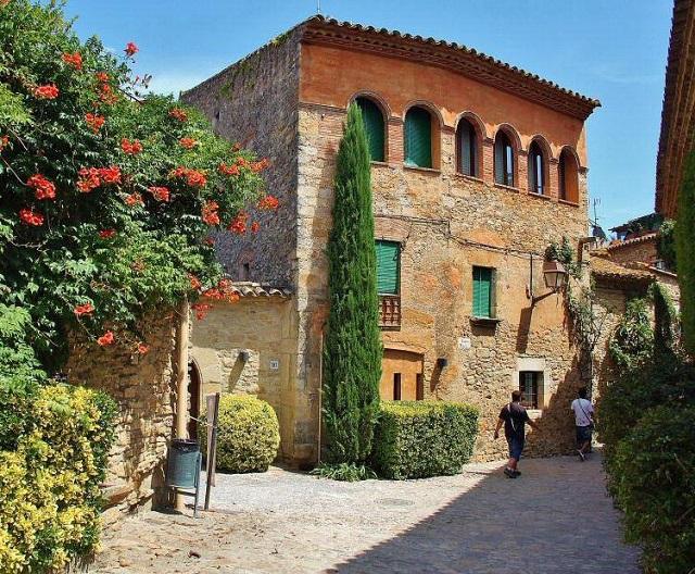 Peratallada, el pueblo medieval de la Costa Brava que no te puedes perder