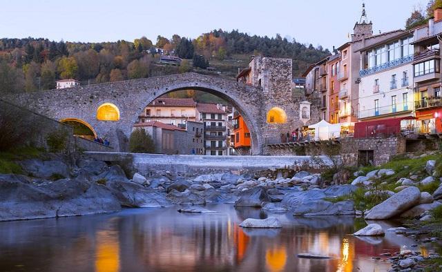 Camprodón, el pueblo medieval del Pirineo Catalán al que siempre querrás volver