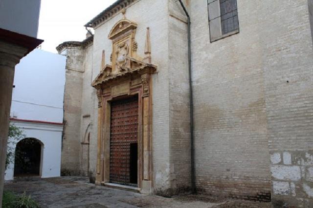 Puertas del convento de la ruta de Bécquer