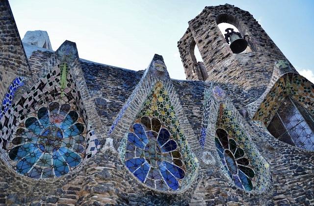 Santa Coloma de Cervelló: la cripta de Gaudí a escasos kilómetros de Barcelona