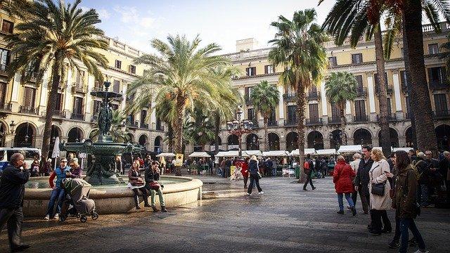 Verano turístico en Barcelona: la ciudad da la temporada completamente por perdida