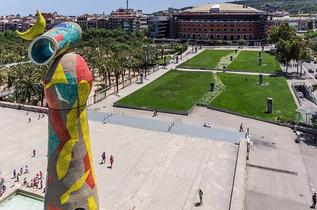 Parque de Joan Miró, una cita con el surrealismo en el barrio de la Eixample