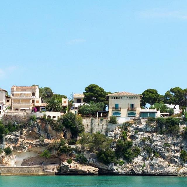 Porto Cristo, el puerto pesquero de Mallorca que debes visitar este verano