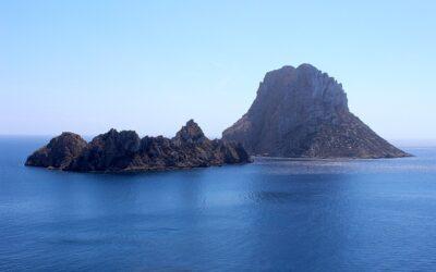 Leyenda de Piedra Bruja, el mayor misterio de Ibiza está en la isla de Es Vedrá