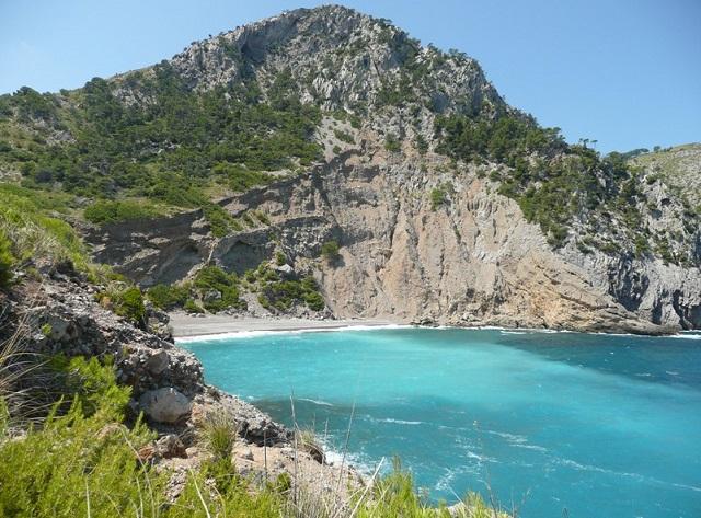 Es Coll Baix, la playa paradisíaca de Mallorca que motiva a todos los senderistas