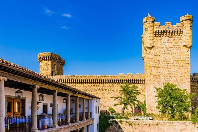 Oropesa, el pueblo medieval de Toledo al que bañan todo tipo de leyendas