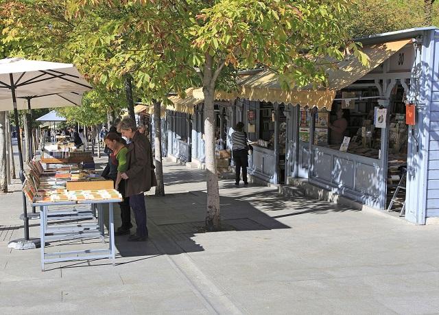 Cuesta de Moyano de Madrid, un mercado de libros permanente para perderse en la ciudad