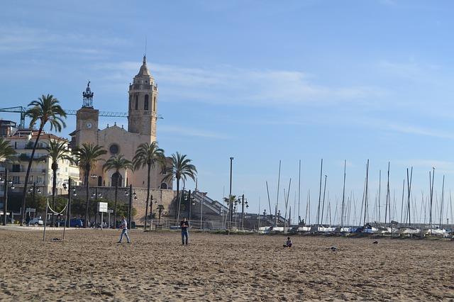 Sitges, la ciudad costera modernista de Barcelona más allá de sus playas